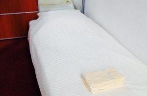 Comfort eenpersoonskamer hotel corona Zeist.