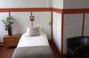 Comfort eenpersoonskamer bed